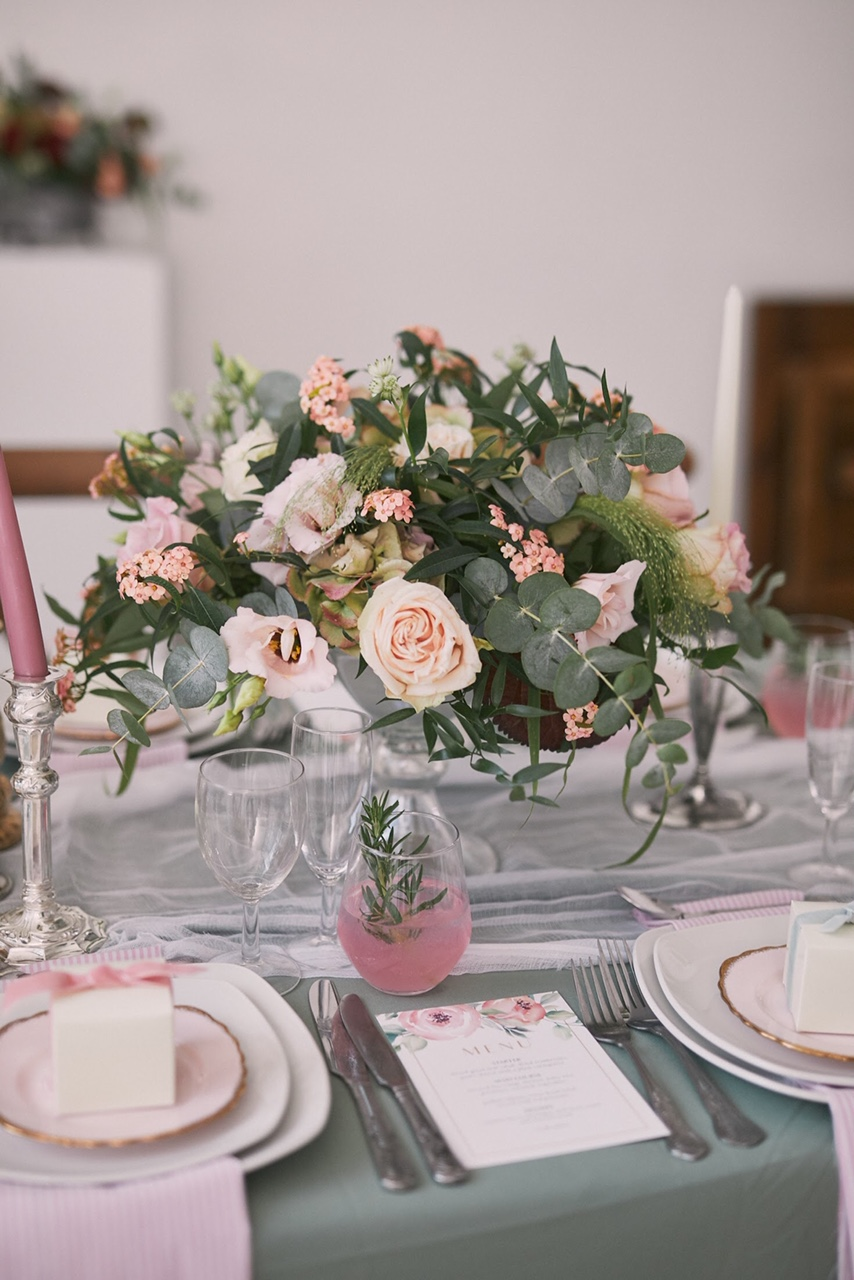 Pale Pink Table Centrepiece