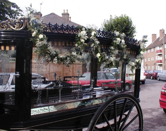 Carriage Garland £16.00 per foot