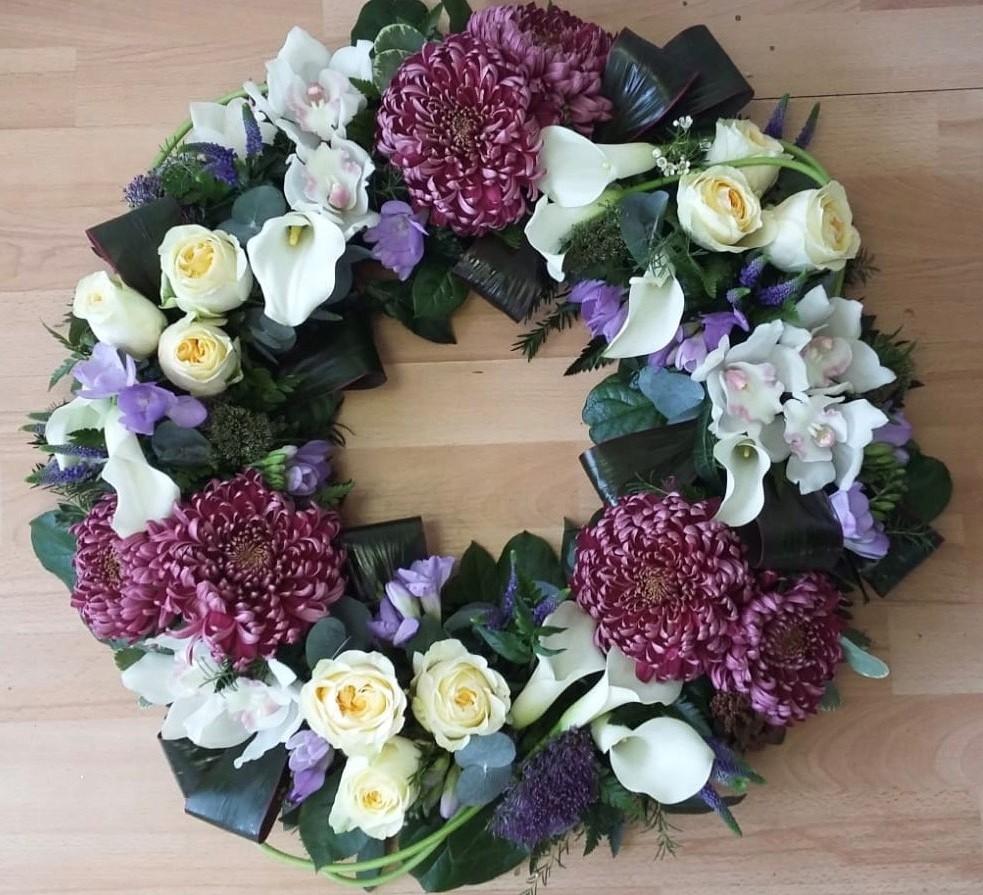 Superior Loose Wreath