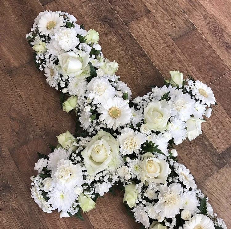 Loose White Cross £37.50 per foot